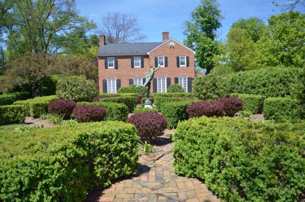 ~Glen Burnie Historic House Boxwood Garden~